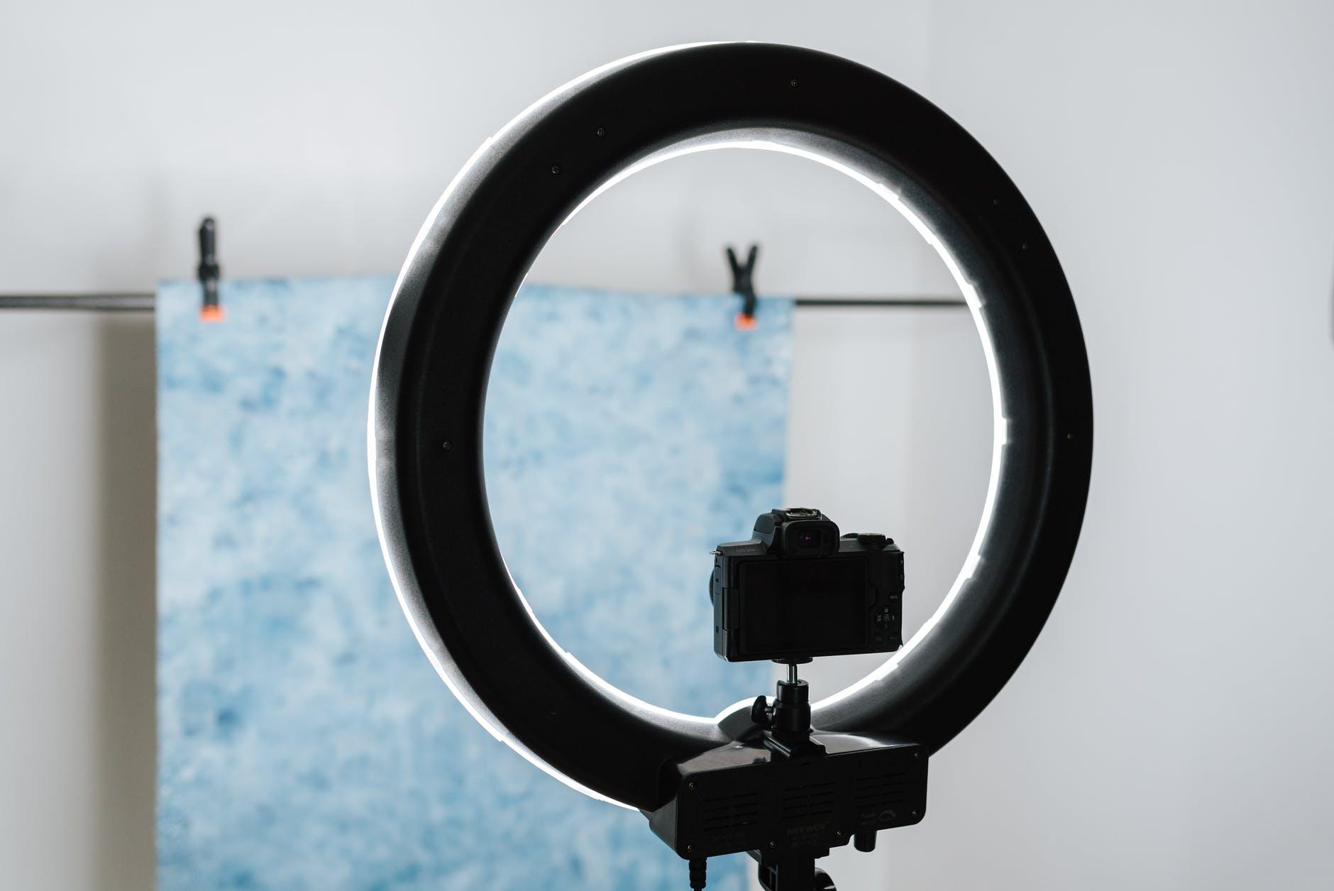 Licenziamento illegittimo: i requisiti per telecamere e altri controlli a distanza